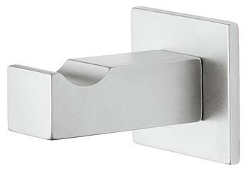 Image of   Kantet og enkel garderobekrog i forkromet mat messing